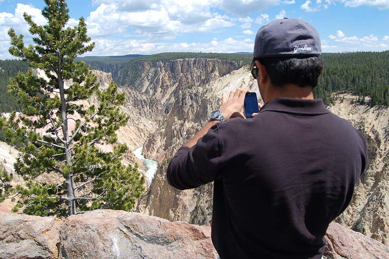 Yellowstone tour people photography