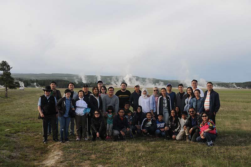 Yellowstone tourists group photo